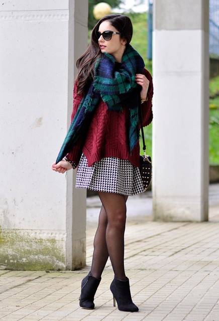 15-ways-to-wear-scarf-in-the-chilly-fall-days-always-in-trend-10~look-main-single