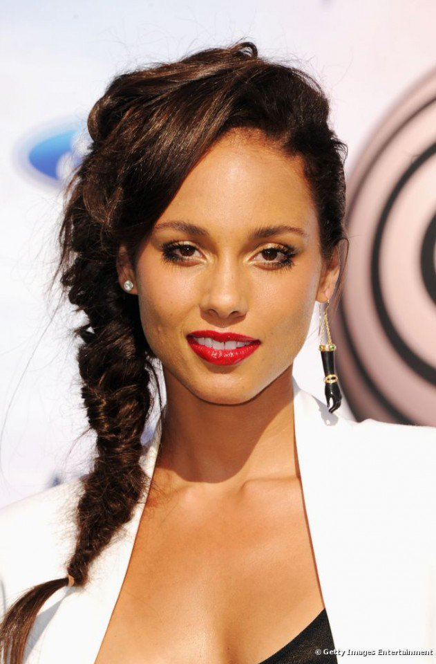 Celebrity-Fishtail-Braided-Hairstyles-For-Red-Carpet-006