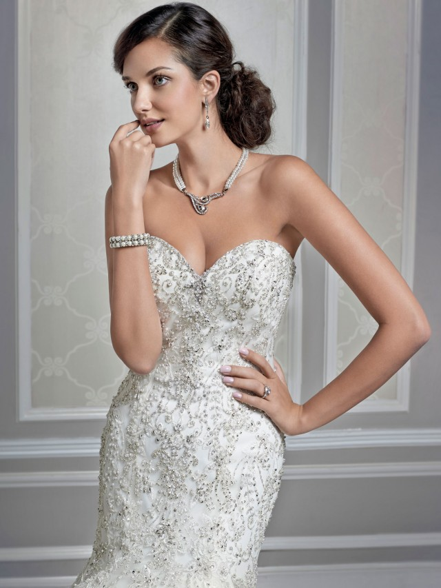 KENNETH WINSTON\'S TIMELESS WEDDING DRESSES