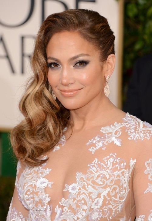 Jennifer-Lopez-Side-Parted-Long-Hairstyle-2013