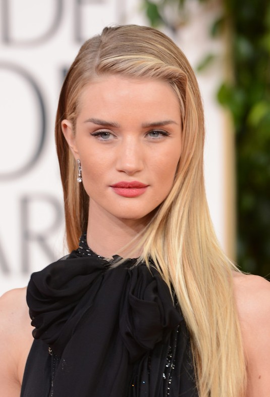 Rosie-Huntington-Whiteley-Deep-Side-Parted-Long-Blonde-Hairstyle-2013