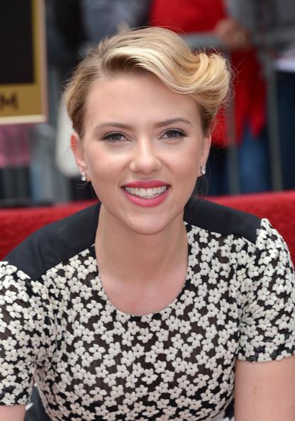 Scarlett+Johansson+Honored+Hollywood+Walk+AxMj6dIaIS6l