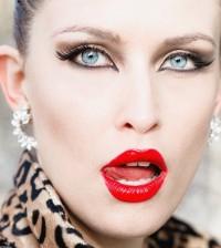 bold-red-lip-makeup-idea