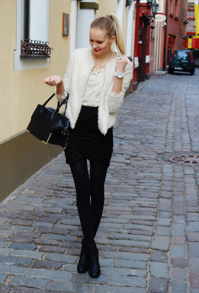 Follow The Black And White Trend This Winter For A Classy And Sophisticated Look