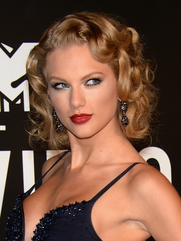 taylor-swift-old-hollywood-waves