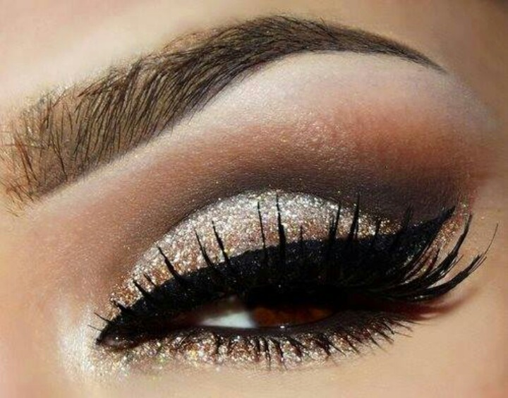 Glitter Makeup Ideas That Will Make A Statement