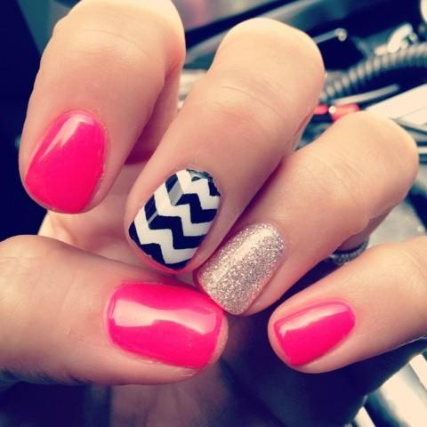 Accent-Nails-Bright-Pink