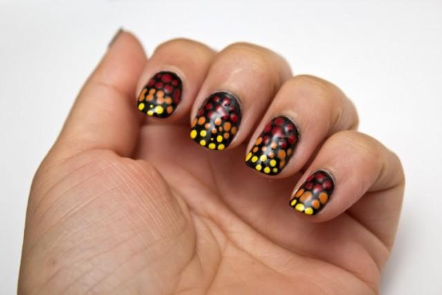 Dot-Gradient-Manicure-1-750x500
