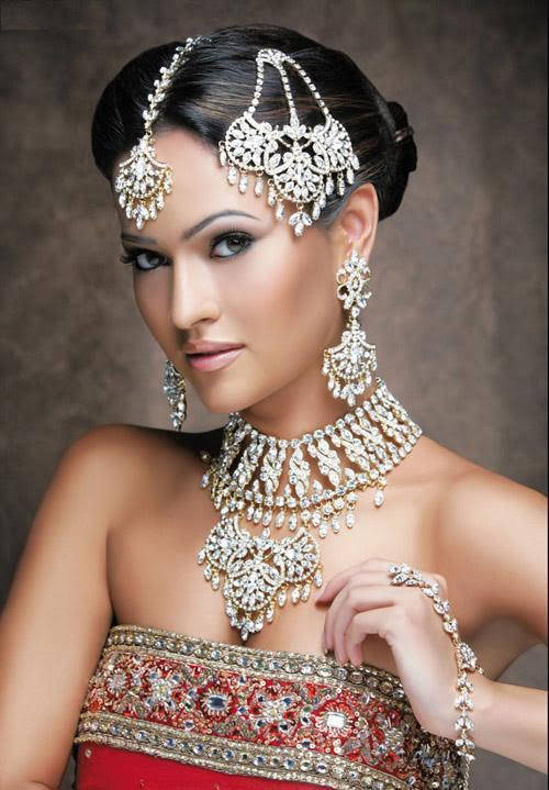 Indian-Bridal-With-Jewelry-20