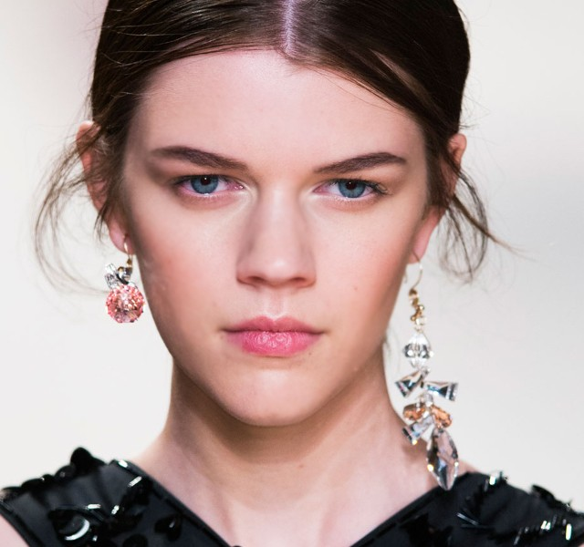 Paris-Fashion-Week-Coverage-Mismatched-Earrings-Nina-Ricci-Spring-2015-Accessories-011