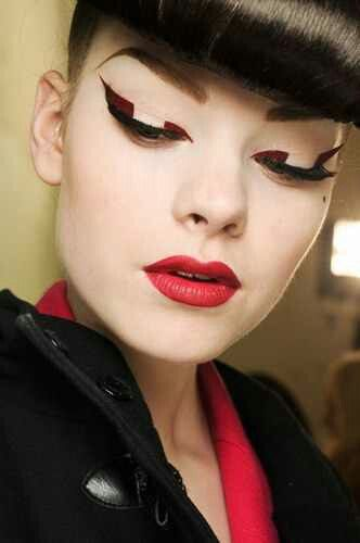 GRAPHIC MAKEUP TREND