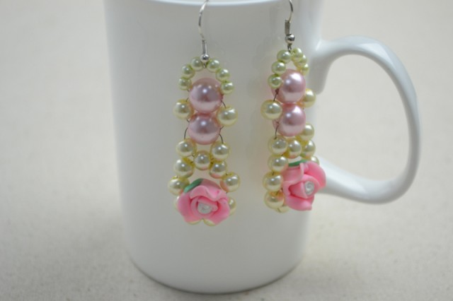full_DIY-beaded-earrings--pearl-and-rose-earring-DIY1