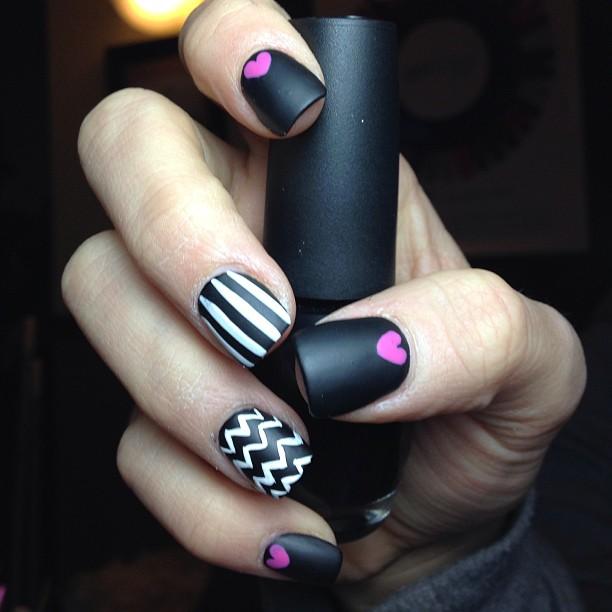 matte-black-and-white-nails