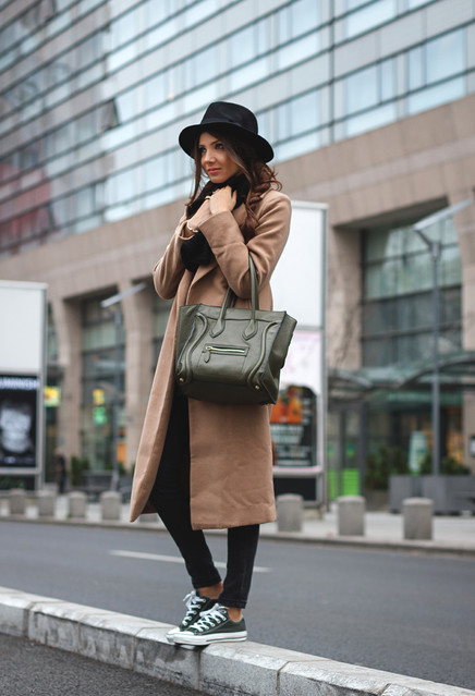 15 Trendy Winter Outfits With Converse Sneakers