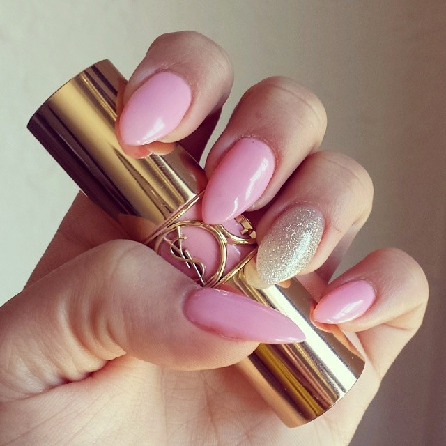 paint-it-pink - 15 PINK AND GOLD NAIL ART DESIGNS