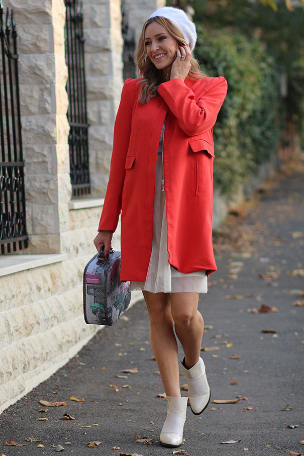 red-coats-white-ankle-boots-booties~look-main-single