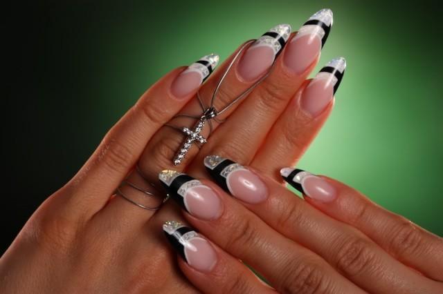 stiletto-nails-classy
