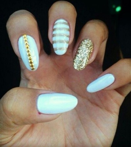 white-and-gold-nails11