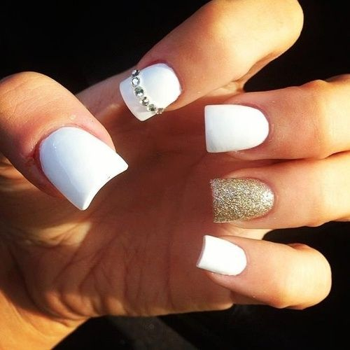 white-and-gold-nails2