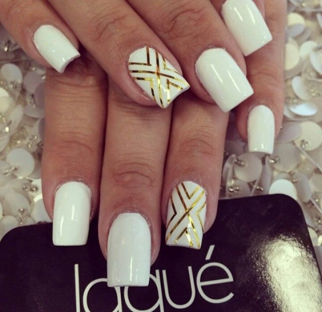 white-and-gold-nails5