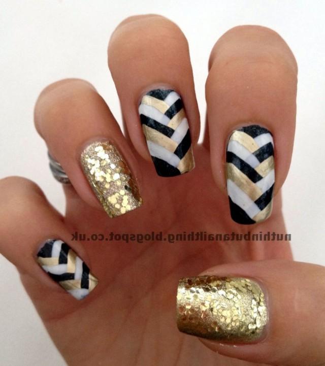 white-gold-black-nails-54389804b4d5d