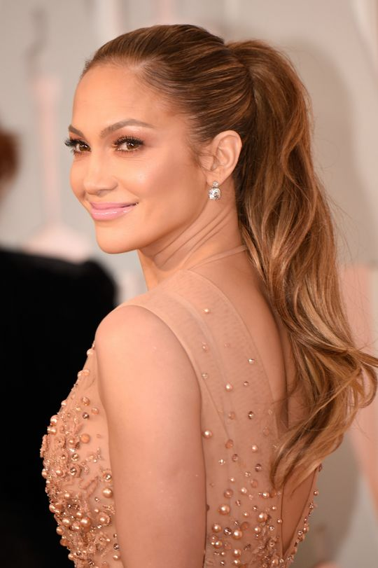 Glam and Hot Celebrity Hairstyles at Oscars 2015