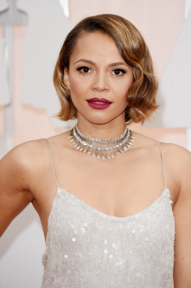 Carmen-Ejogo-2015-Academy-Awards-red-carpet-best-hair-and-makeup