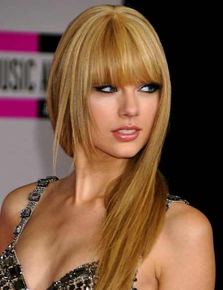 Taylor-Swift-Bangs-and-Straight-Hair