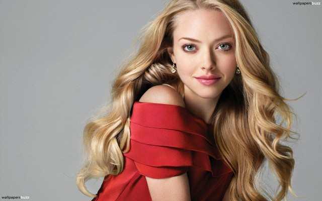b_amanda-michelle-seyfried-in-red-dress