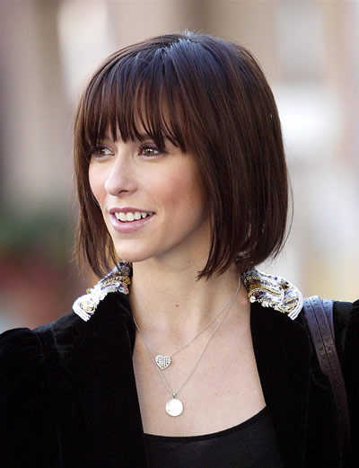 bob-haircut-with-bangs-jennifer-love-hewitt-straight-bob-hairstyle-with-bangs