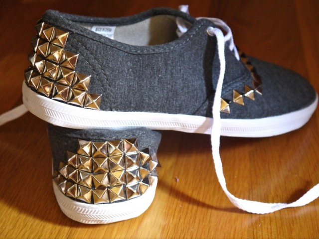 diy-studded-canvas-sneakers-4-1024x768