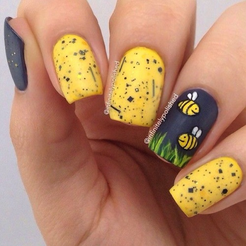 Black and Yellow Nail Art Bees-0
