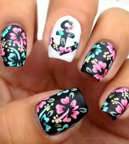 Cute-Anchor-Flowers-Short-Nail-Designs