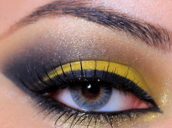 New-Year's-Trends-For-2013-Black-Water-Snake-Eye-Makeup-Style_16