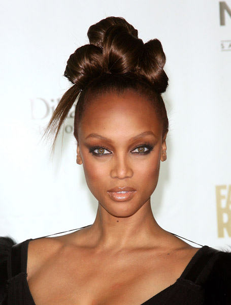 Tyra-Banks-Hair-Buns-Inspiration2