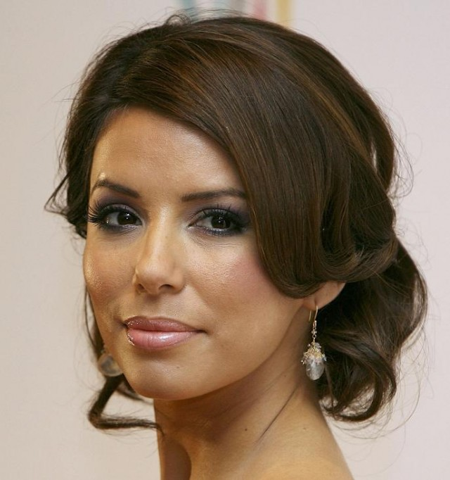 eva-longoria-wedding-hairstyles-creative