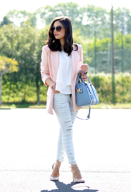 light-pink-blazers-turquoise-bags~look-main-single