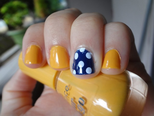 mustard-and-navy-nails-with-polka-dots