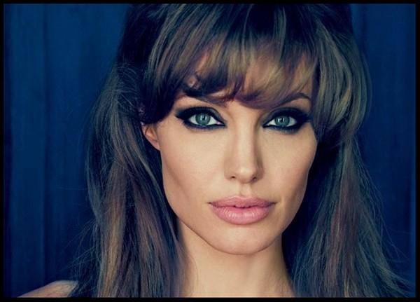Angelina-Jolie'-Smokey-Eye