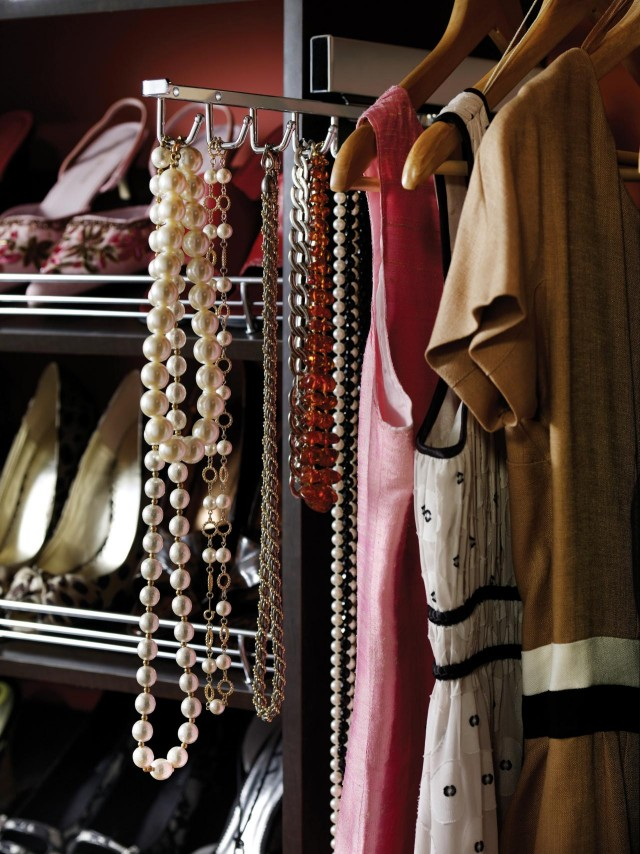 CI-Closet-Maid_master-suite-necklace-holder_s3x4.jpg.rend.hgtvcom.1280.1707