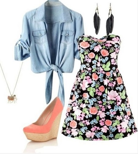 Cute-Spring-Outfit-Floral-print-mini-strapless-dress-and-pink-wedges