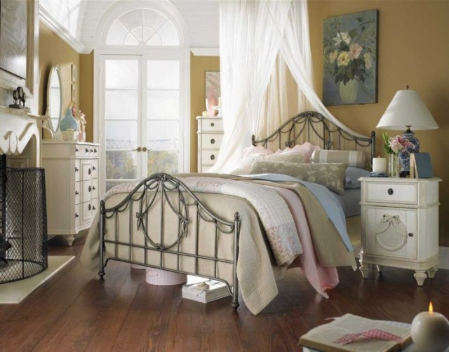 Eclectic-Shabby-Chic-Bedroom