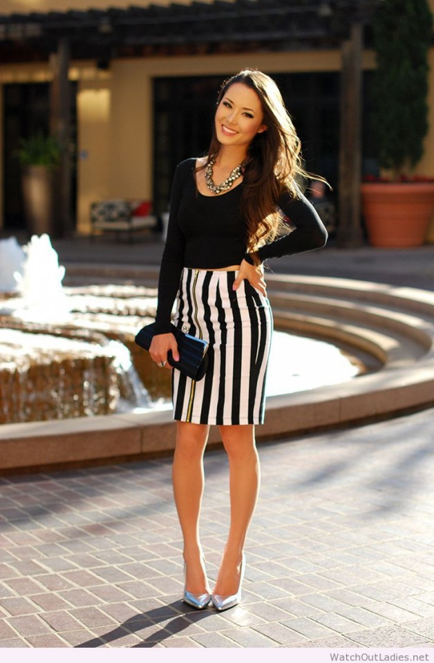 Hapa-Time-in-the-parallel-lines-skirt-and-caged-in-crop-top