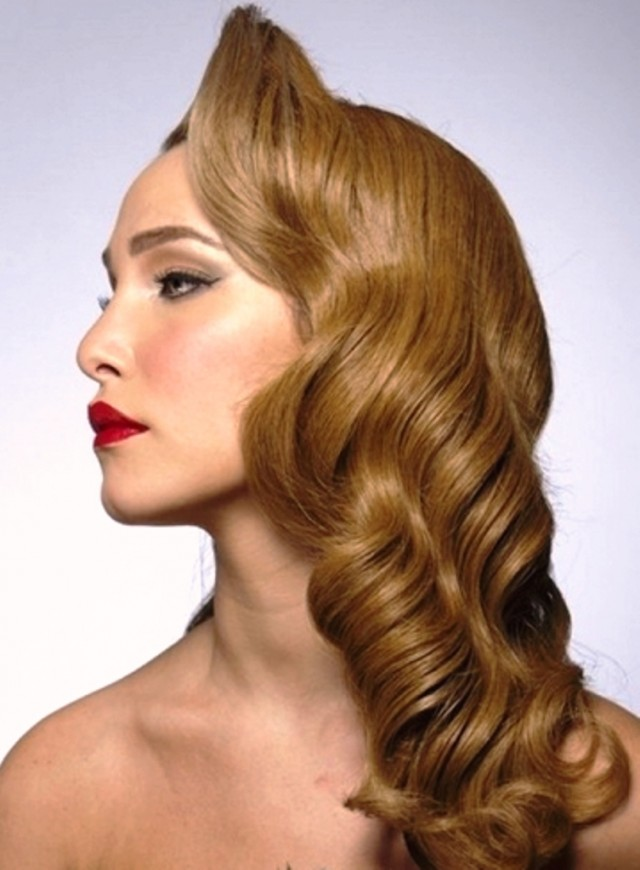 Long-Vintage-Waves-Hairstyle