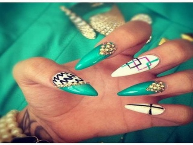 Nice-Stiletto-Nail-Designs