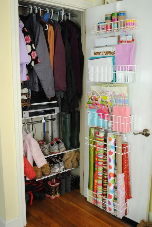 Small-Closet-Organization-664x992