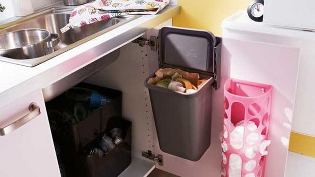 Smart-Space-Saver-Ideas-for-Kitchen-Storage_07