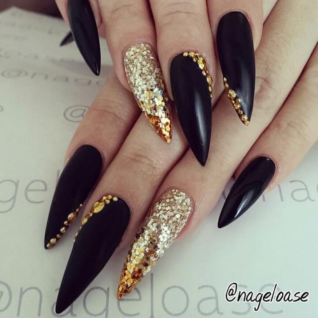 black-gold-stiletto-nails