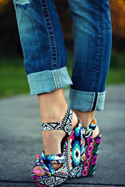 olbvzu-l-610x610-shoes-cute-accessories-tribal-print-heels-cute+heels-wedges-summer+shoes-adorable-bold+shoes-bold-statement-statement+shoes-summer+wedges-aztec+wedges-aztec-high+heels-colorful-pri