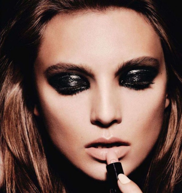 smokey-eye-makeup-for-small-eyes
